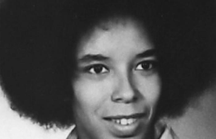 Lynne D. Richardson, 1976