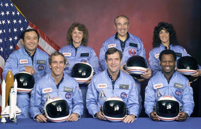 Ronald E. McNair with fellow Challenger crew members, 1986