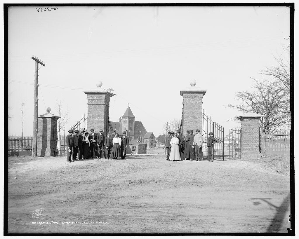 The Lincoln Gates, 1906
