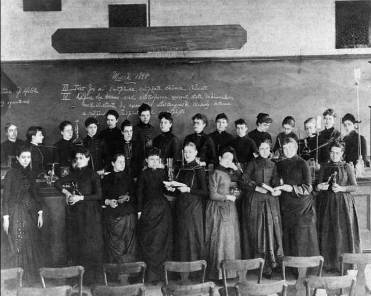 Ellen Swallow Richards and female students, 1888
